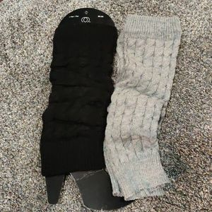 Bundle of 2/Women's sweater knit leg warmers.